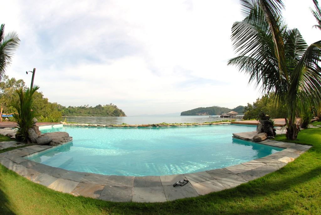 Fishermen's cove Beach Resort Swimming pool